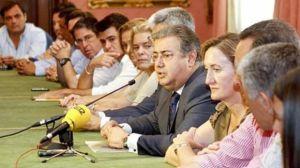 Zoido durante la presentación de su equipo de gobierno para el Ayuntamiento de Sevilla