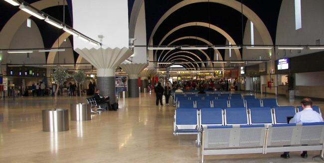 aeropuerto-sevilla-vestibulo