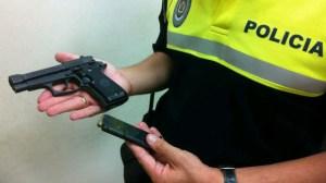 pistola-incautada-gorrilla-sevilla-170911