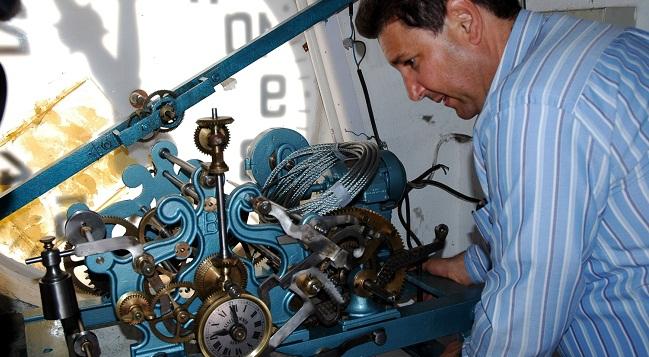 marco-martinez-relojero-los-palacios-301211