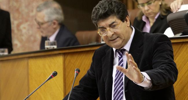 diego-valderas-pleno-parlamento-250112