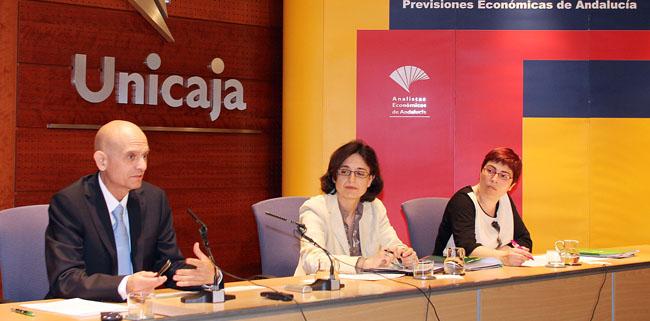 analistas-economicos-andalucia-260412