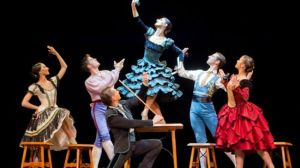 La Compañía de Danza de Sonakay interpretando 'muDANZAS BOLERAS' /Luis Castilla