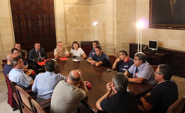 espadas-grupos-politicos-construccion-081012