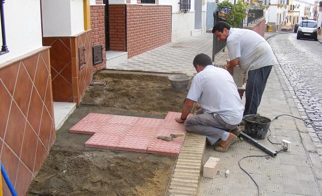 obras-accesibilidad-calle-cabrera-gines-101012