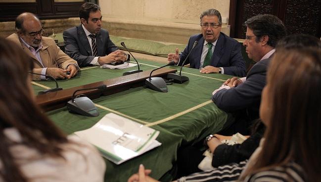 zoido-reunion-autonomos-201012