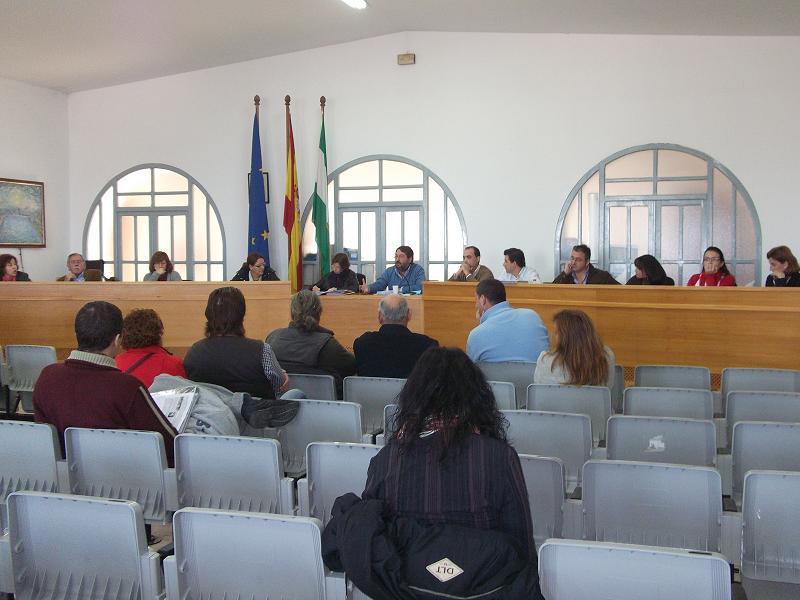 El Pleno se celebrará a puerta cerrada en caso de interrupciones de la oposición / SA