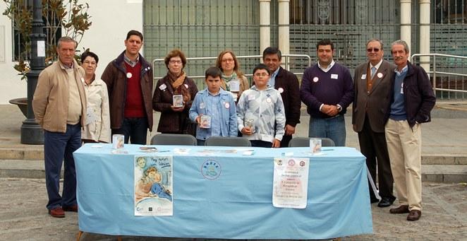 Los donativos recaudados por las hermandades del Dulce Nombre y el Rocío de Sanlúcar se entregarán el Sábado Santo / A. Robledo