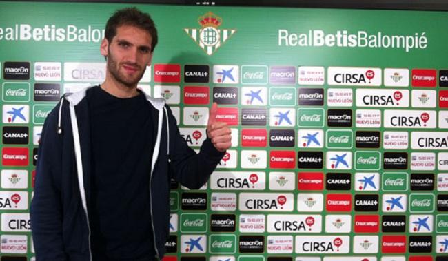 Primera oportunidad de Fausto con el primer equipo/Real Betis
