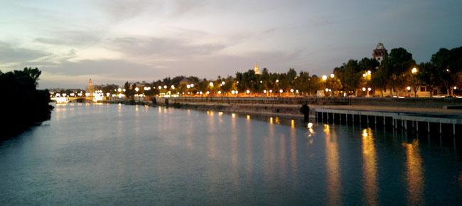 """El consejo de administración del Puerto de Sevilla asegura que el dragado es """"medioambientalmente viable"""" /Oscardodo (flickr)"""