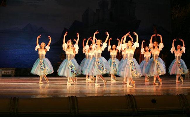 ballet-de-kiev-lago-de-los-cisnes