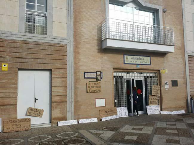 ayuntamiento-los-palacios-huelga