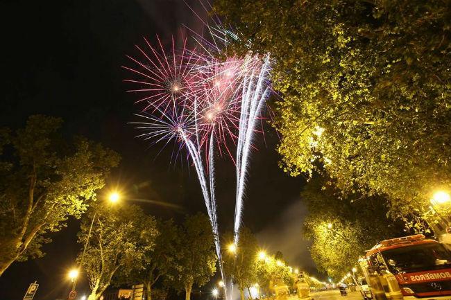 fuegos-artificiales-ayuntamiento-sevilla
