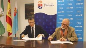 firma-UNICEF-La-Rinconada