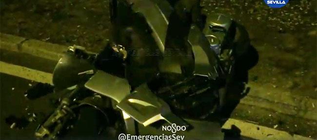 moto-destrozada-marquesina