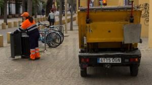 Camión de Lipasam en Alameda de Hércules
