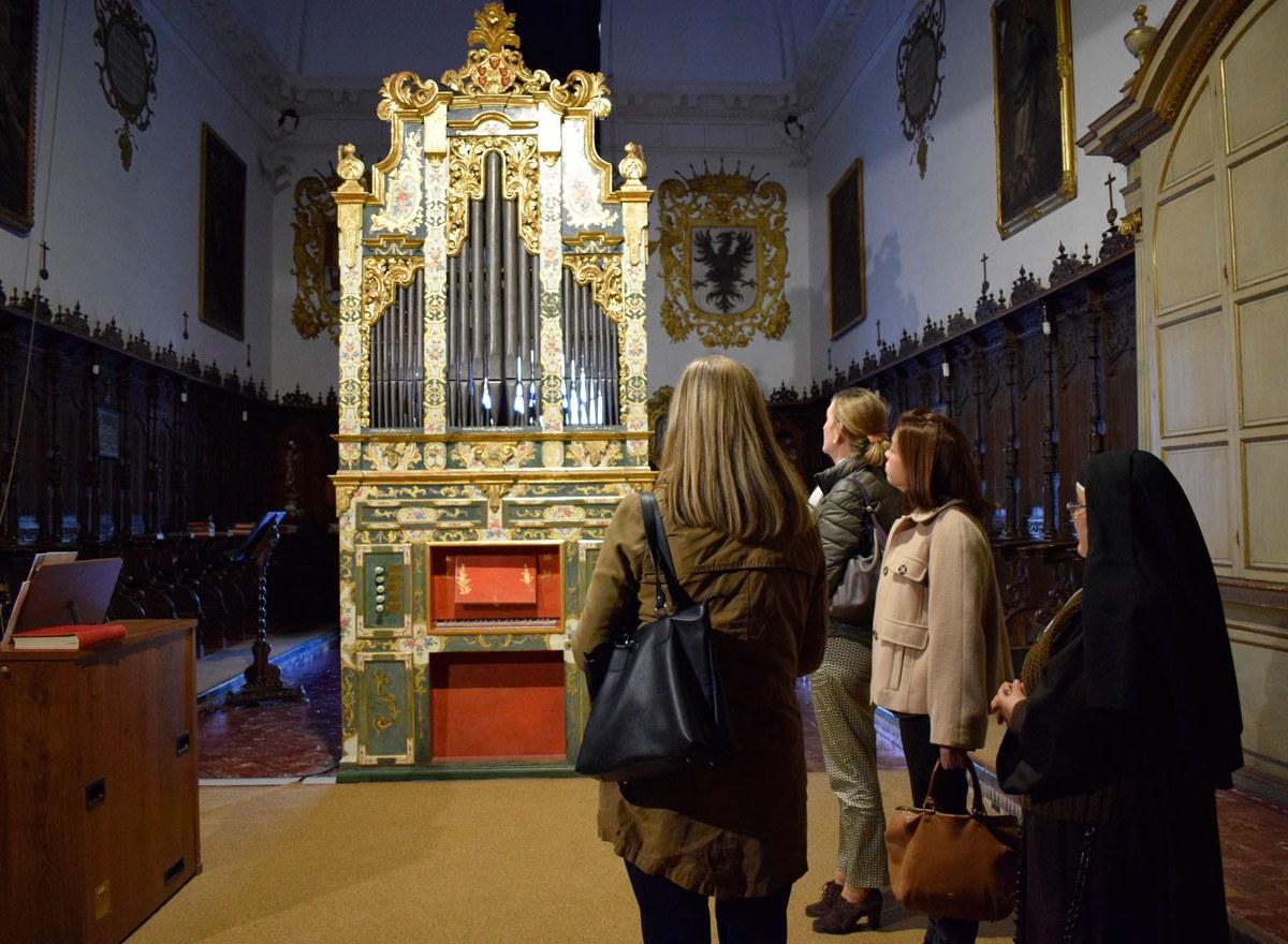 Sánchez Estrella visita el Convento de San Leandro/SA