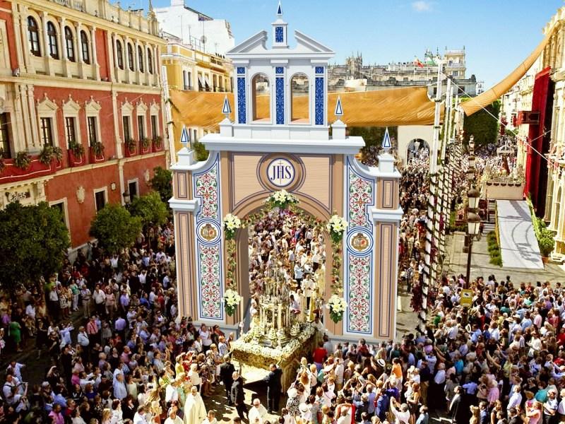 Montaje de la portada del Corpus /Ayto. Sevilla