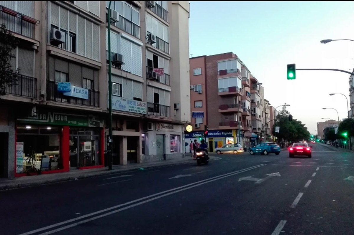 Carretera Carmona, lugar dónde la joven encontró el cheque /SA