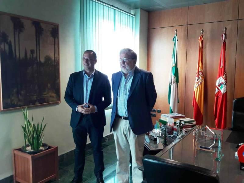Reunión entre Toscano y Gómez de Celis /Delegación de Gobierno