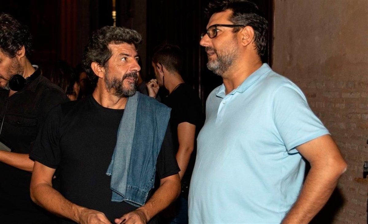 José María Villalobos, alcalde de Utrera, junto al director Alberto Rodríguez / Ayuntamiento de Utrera