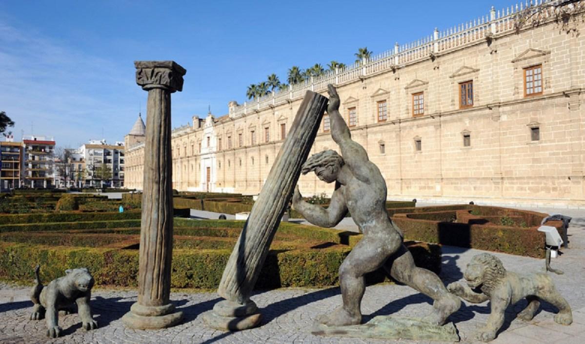 Fachada del Parlamento de Andalucía, ubicado en el antiguo Hospital de las Cinco Llagas de Sevilla. / SA