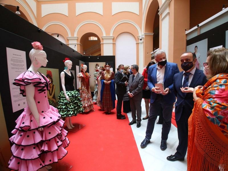 Exposición moda flamenca.