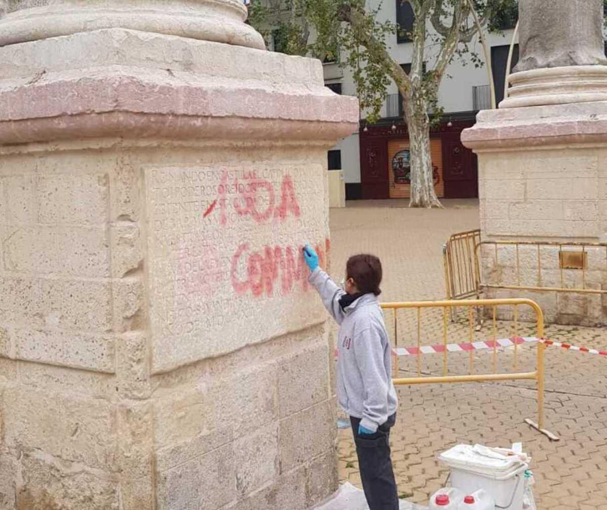 Restauración del vandalismo de la Alameda de Hércules / AV San Marcos