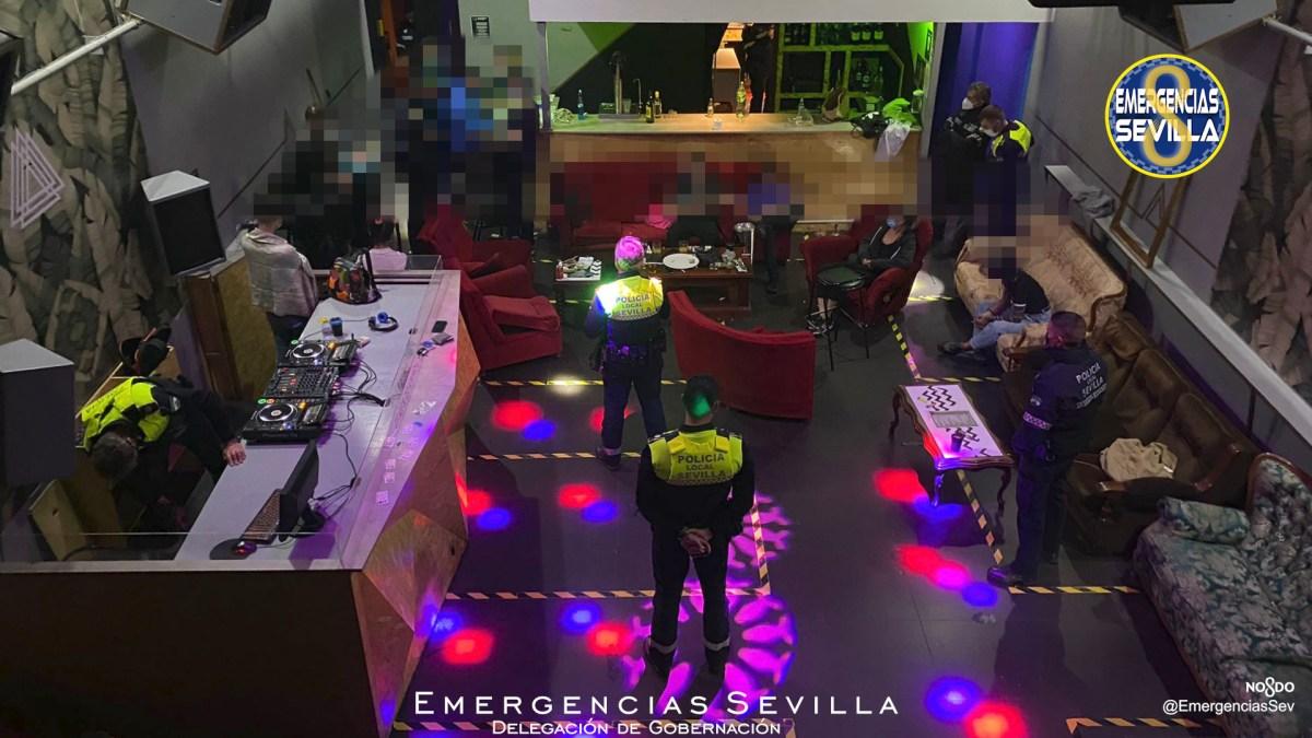 Discoteca desalojada / ES