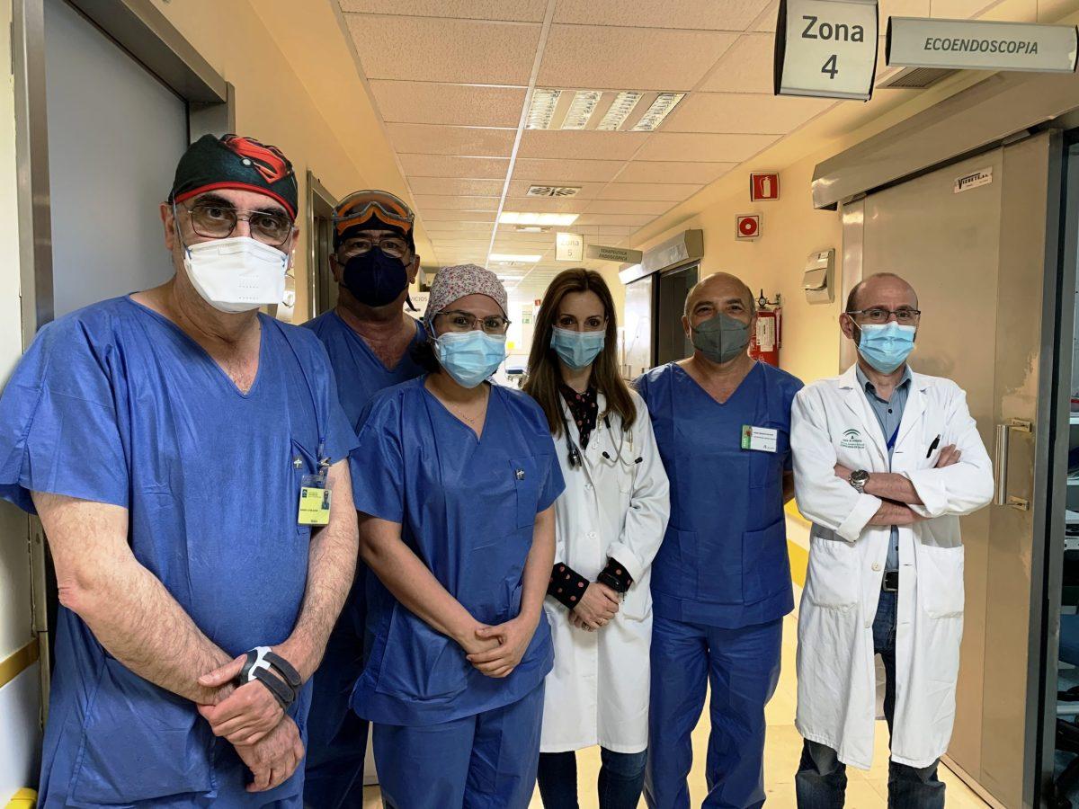 doctor Rafael Romero y su equipo