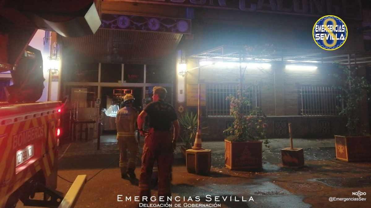 Dos bares del Polígono Calonge se han visto afectados por sendos incendios / ES