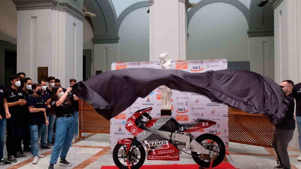 Moto eléctrica diseñada por la escudería universitaria de la US