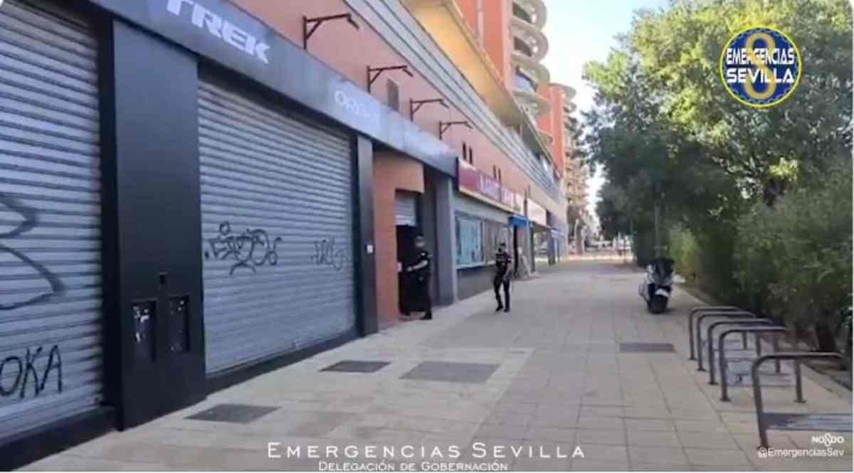 Tienda de bicicletas robada / ES