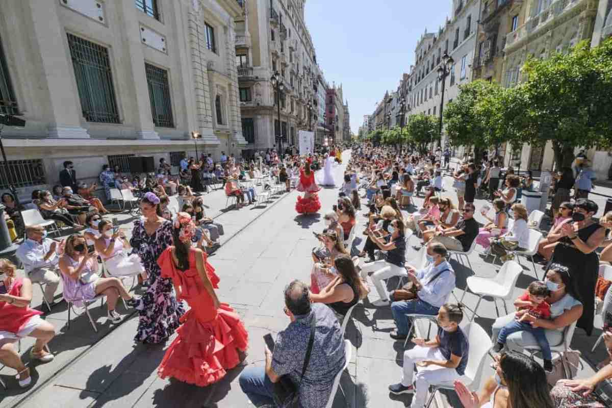 Desfile de moda flamenca en Sevilla / Ayto.