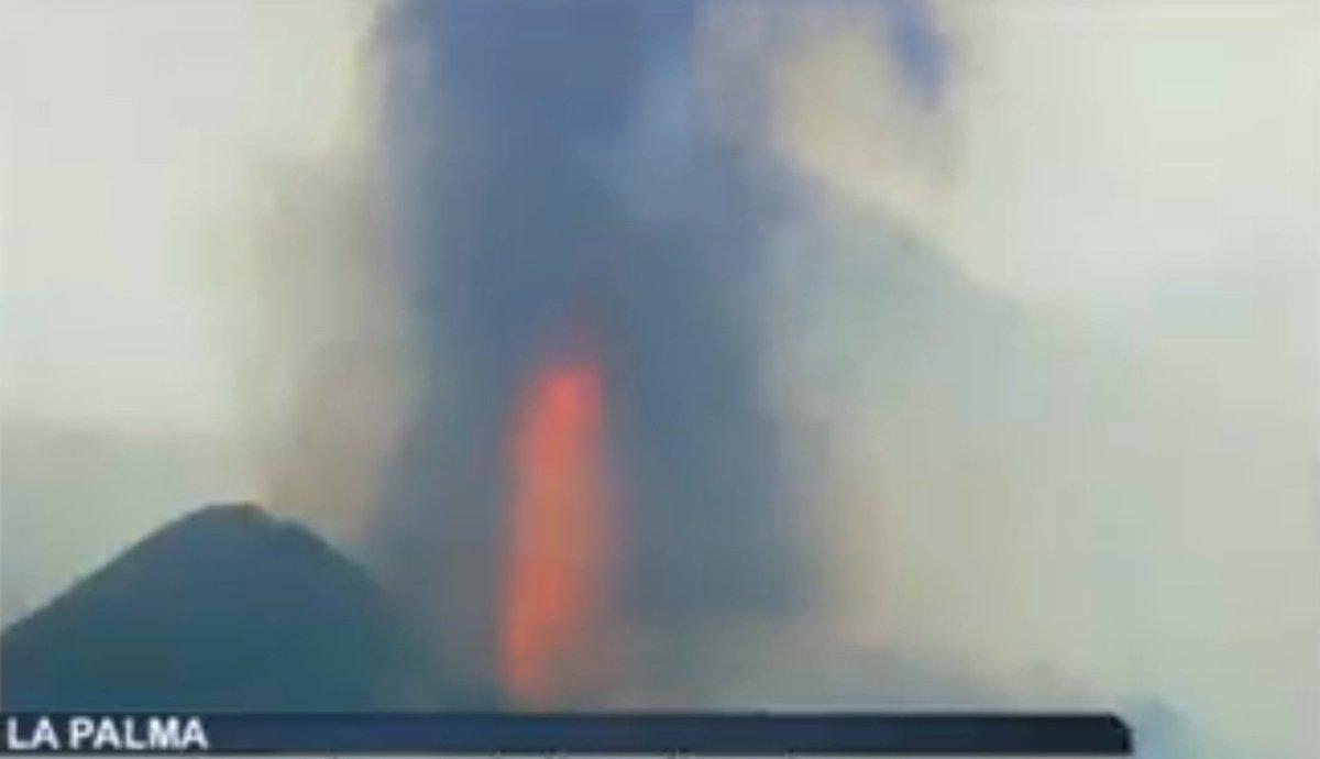 El cono del volcán se ha roto, confirmaban los investigadores hace escasas horas / RTVC