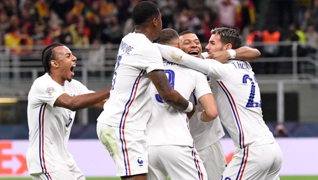 France's jules kounde was sent off for a horrendous tackle on … Koundé, campeón con Francia | Sevilla FC