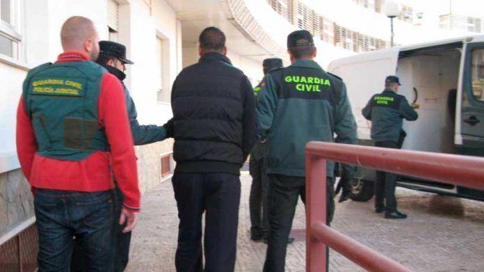 La operación contra el narcotráfico en el Aljarafe continúa abierta.