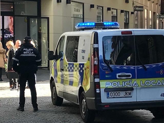 La campaña policial se centra en zonas comerciales de gran afluencia de público.