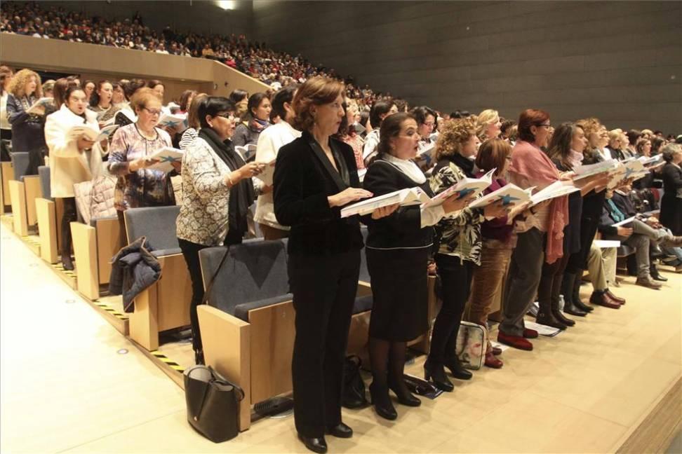 Los cantantes aficionados participan en este gran proyecto musical.
