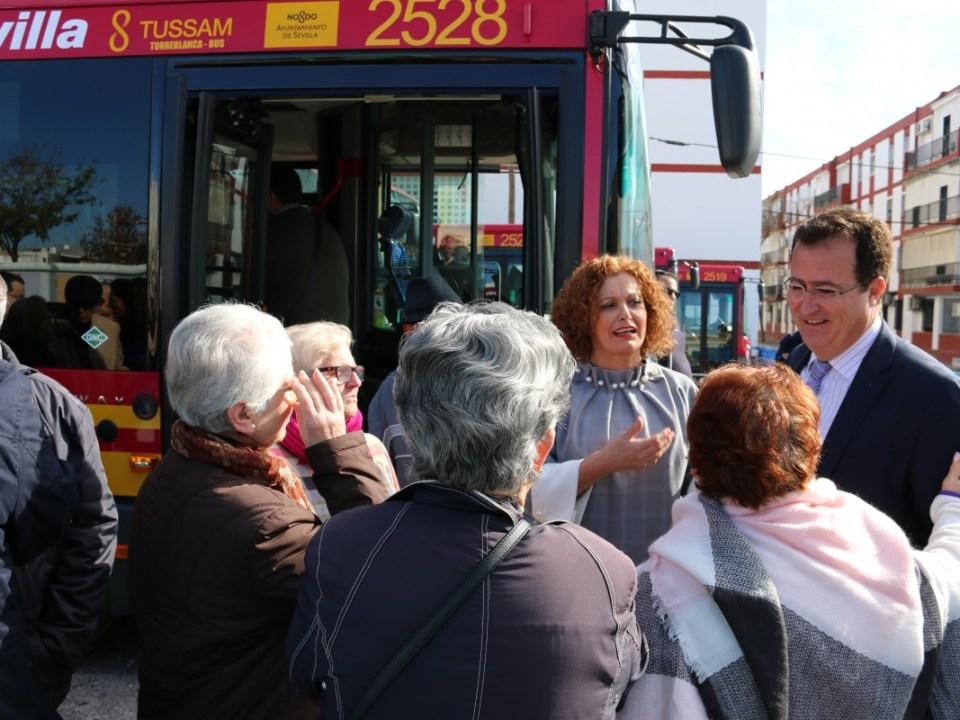 Cabrera, en la presentación de los nuevos autobuses de Tussam