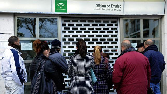 Andalucía lideró la bajada del paro en diciembre