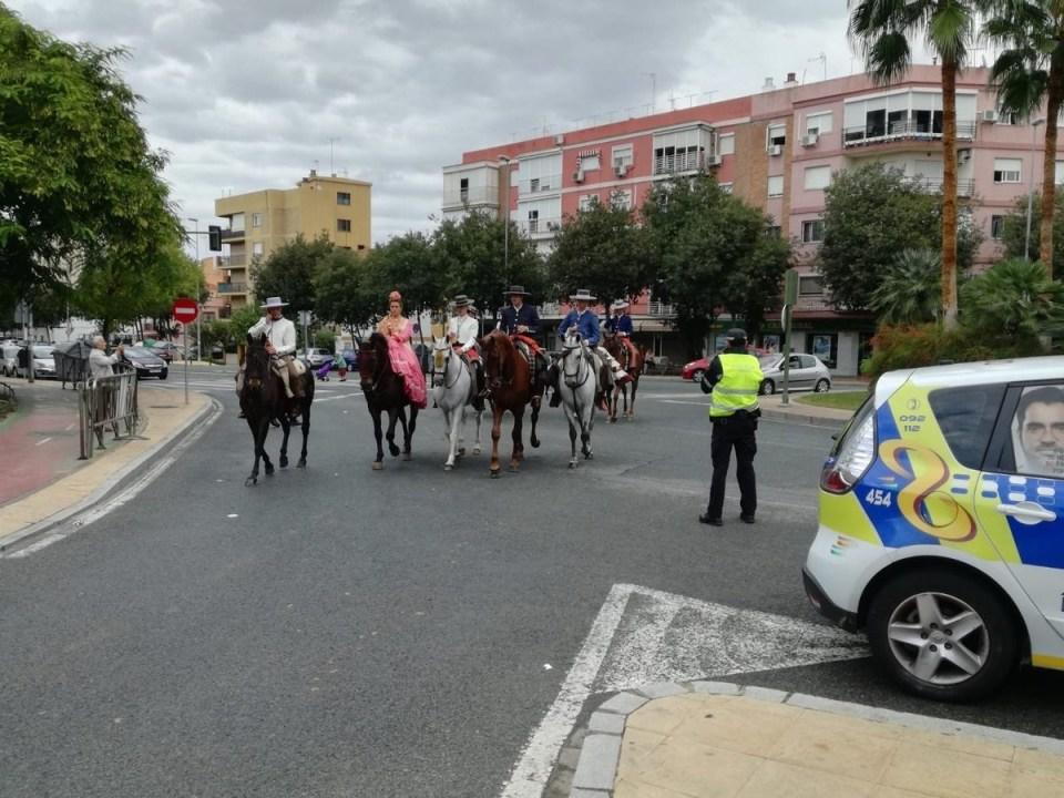 Imagen de la Policía Local en la Romería de Valme