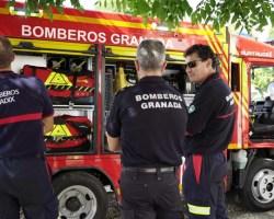 La empresa sevillana Surtruck diseña y fabrica los vehículos de bomberos más pequeños del mercado