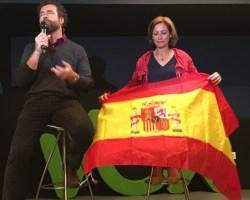 """Iván Espinosa de los Monteros a los jóvenes en Sevilla: """"Tenéis que luchar por cada palmo de España"""""""