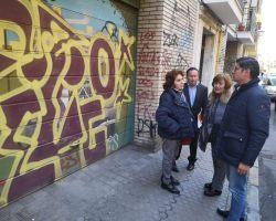 """Ciudadanos denuncia """"la invasión de grafitis"""" en San Lorenzo por """"la llegada de okupas"""""""