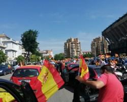 Unión y coraje de España en la multitudinaria manifestación de Vox en Sevilla