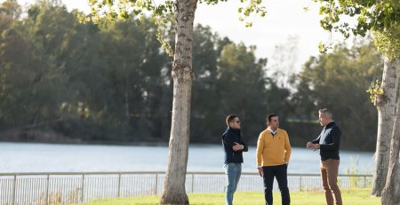 Sevillano y Molina - Los Polos de hombre son tendencia