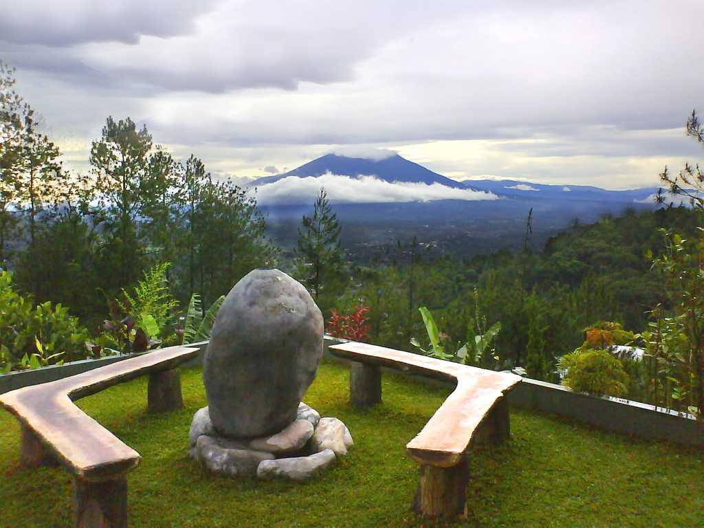 Sewa Villa Mega Mendung Puncak  Villa Boenda Moelia
