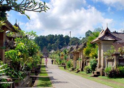 Desa Penglipuran Bangli Bali - Jalan Turun