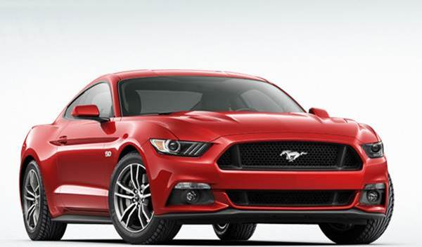 Mobil Ford Mustang GT 2015
